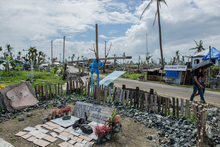 Mass graves at Tanauan, Leyte after Super Typhoon Haiyan hit Phillippines. Photo credit: Asian Development Bank